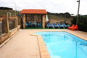 piscina exterior para relajarse